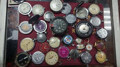 карманные часы .танковые.и корпуса и механизмы .секундомеры .цена за все